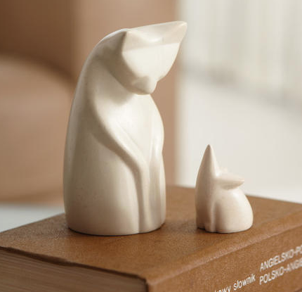 Cat and Mouse Set ($24) // A moment of confrontation or reconciliation? Either way, this petite cat and mouse set is adorable. Carved from natural soapstone to a smooth finish. Fair Trade, Handmade in Kenya.
