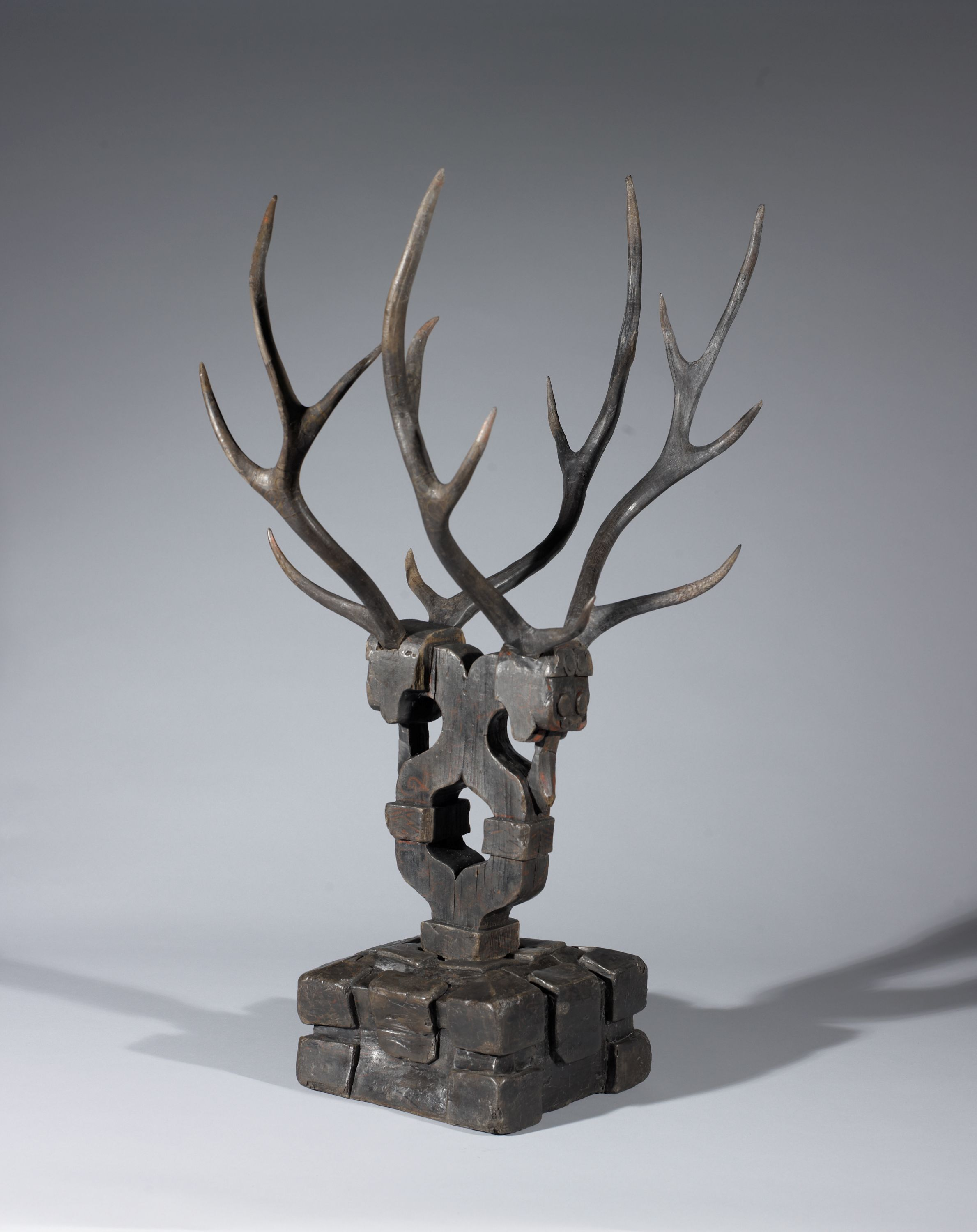 While these antlers seem like decor for a cabin today, they had quite a different purpose in 300 B.C. These antlers were used as a tomb guardian, placed inside the doors of tombs to protect the soul of the deceased or to accompany them on a journey to the afterlife.  // Asian Galleries