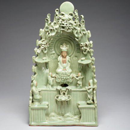 Guanyin of the South Sea, glazed stoneware, Ming dynasty (1368–1644), Yongle period (1403–1424), Longquan ware, Zhejiang province, China T.2014.206