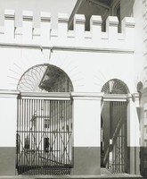 Old Courthouse Gates, Stanley Blake McNeely, photograph