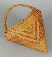 Pointed basket with handle, made of woven rivercane