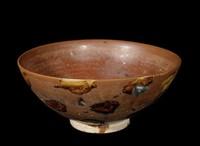 "Bowl with yellow-daub straw-ash glaze ""tortoiseshell"" decoration on exterior."