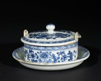 Blue and white butter tub with flowers, Chinese export ware
