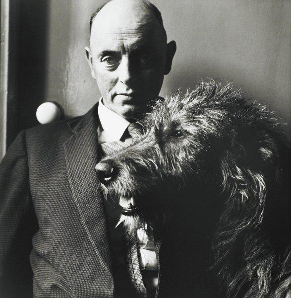 John Grogan, A Patriot And his Dog, Ireland, Alen MacWeeney, gelatin silver print