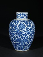 """Covered jar with floral decorationLidded """"Ginger Jar"""" with Lotus Motifs"""