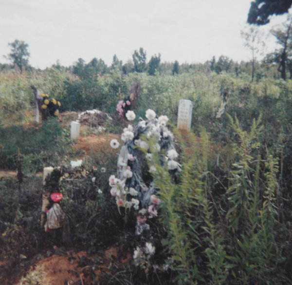 Grave, Stewart, Alabama, William Christenberry, chromogenic print