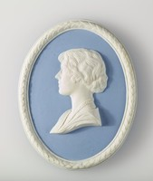 Oval blue jasper medallion with white relief profile portrait of Queen Elizabeth, with white laurel leaf border made for her Coronation in 1937