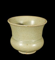 Small wide-mouthed vase with crackled glaze