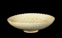 Dish with two bands of molded chrysanthemum petals.