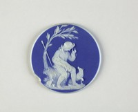 Very delicate, thin medallion of white jasper with dark blue jasper dip, on the front the relief scene of the Bourbonnais Shepherd.