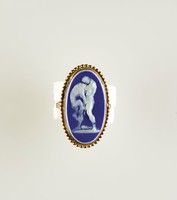 Oval dark blue jasper cameo with white relief of Hercules strangling the Nemean Lion, set in gold-plated metal as a necktie slide
