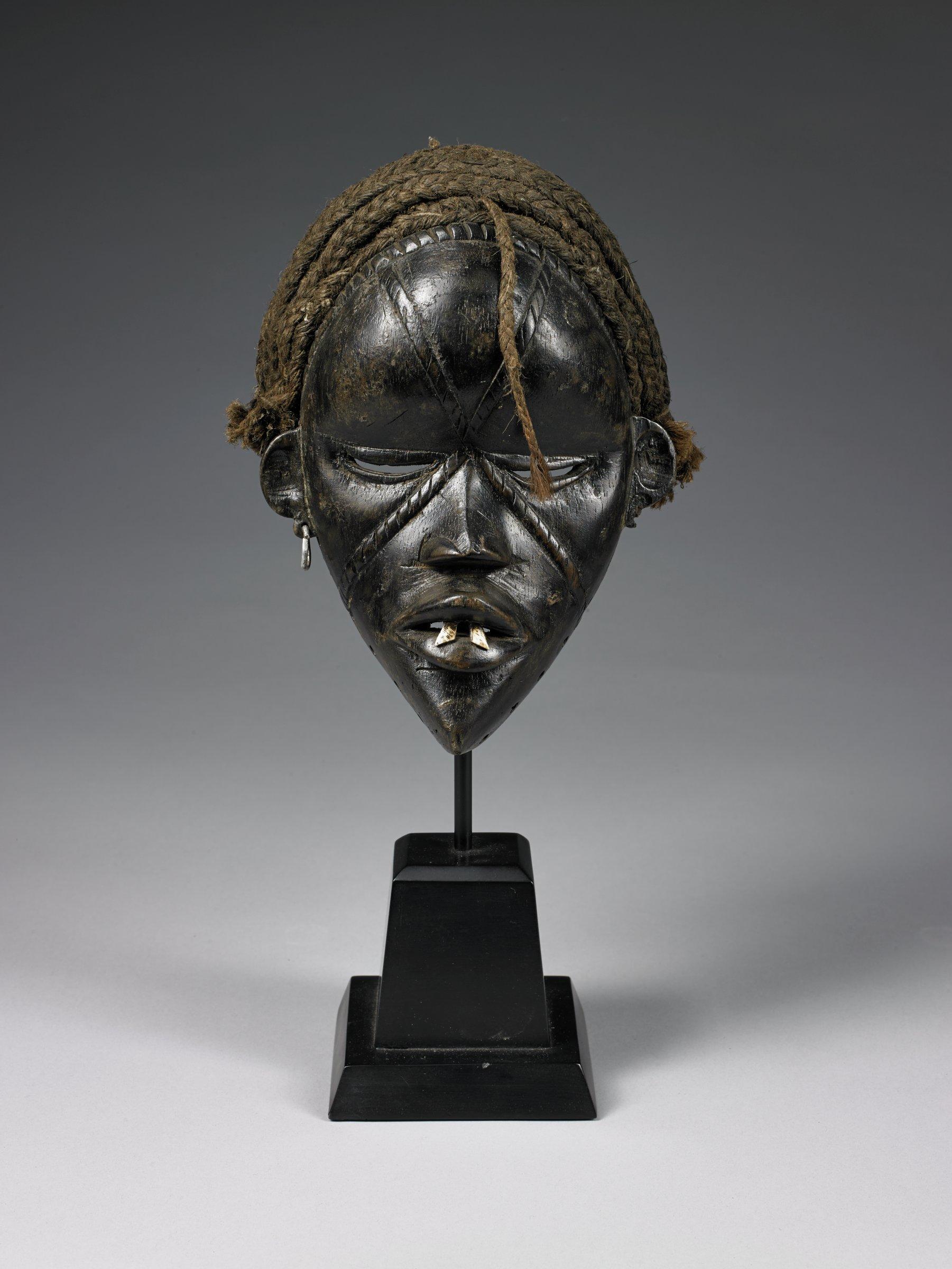 Mask (deangle), Dan people, Côte d'Ivoire, Liberia, African, wood, fiber, teeth