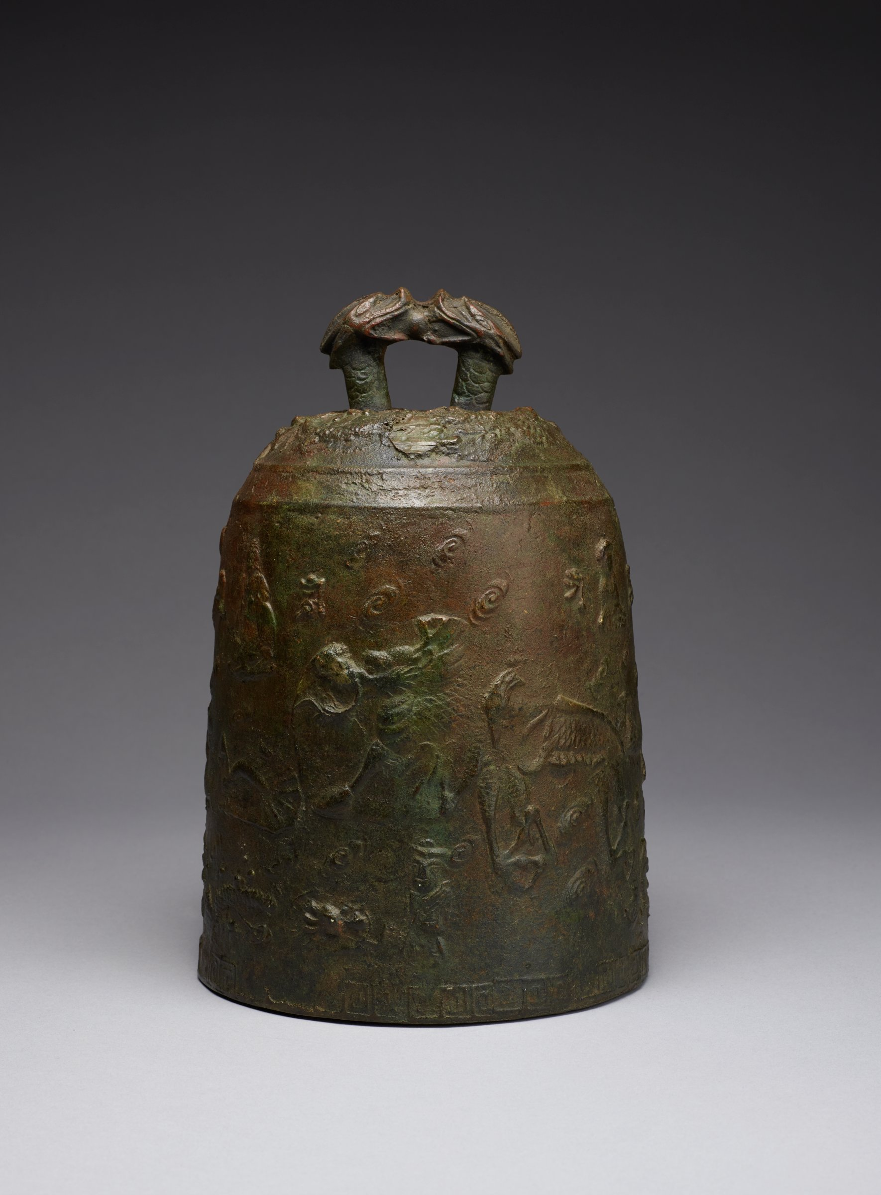 Bell with Facing Dragon Head Loop, Buddha and Mythical Animal Motifs